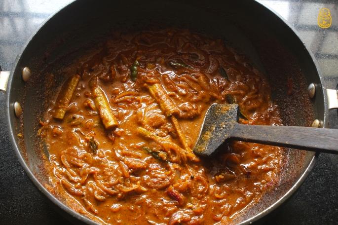 Web 2 Ulli Theeyal Kerala Style Recipe